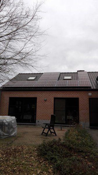 Realisatie 14 zonnepanelen REC 320 N-Peak met SMA Omvormer SB3.6 te Houthalen-Helchteren