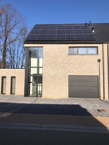 Realisatie 21 zonnepanelen REC 295 met SMA Omvormer te Beringen