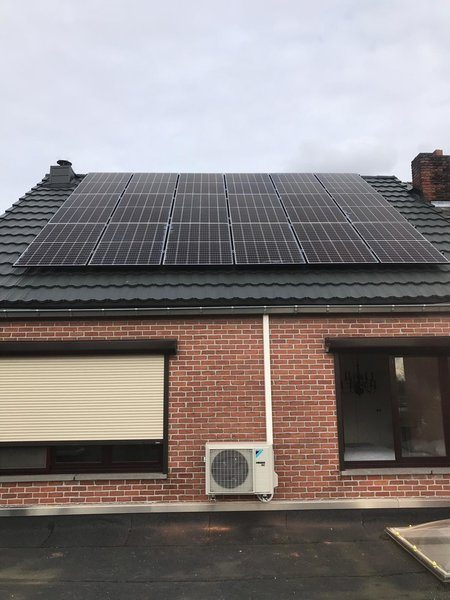 Totaalproject airco met zonnepanelen REC N-Peak te Geel