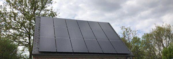 Realisatie 18 zonnepanelen Peimar 300 mono Full black met SMA omvormer SB3.6 te Genk