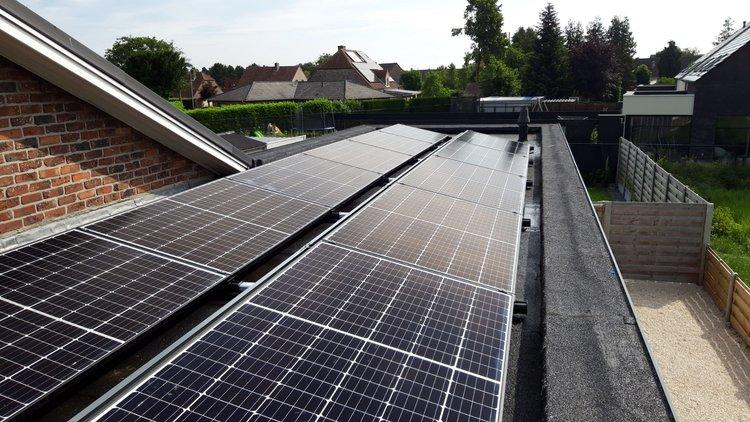 Realisatie 11 zonnepanelen REC 320 N-Peak met SMA Omvormer STP2.5 te Lommel
