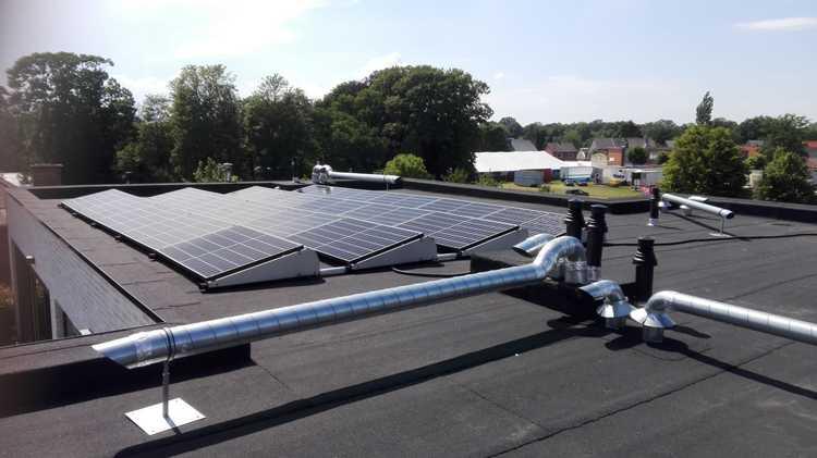 Realisatie 3 x 10 REC 320 N-Peak zonnepanelen met SMA omvormer SB2.5 te Lommel