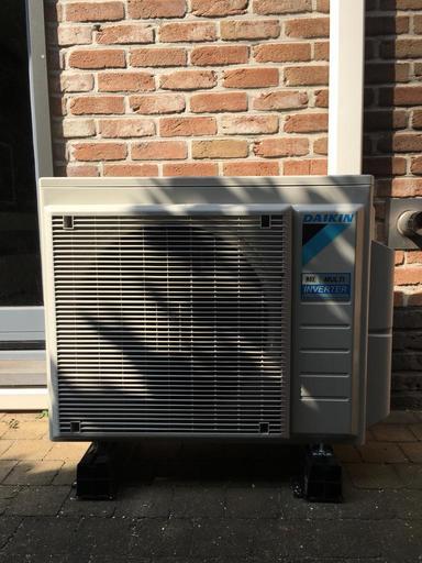 Realisatie Daikin Emura + Classic airco warmtepomp luchtlucht bestaande uit 1 buitenunit en 4 binnenunits te Brecht
