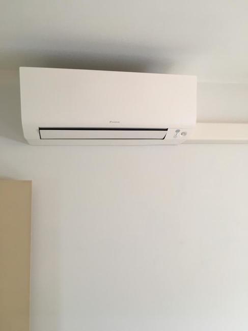 Realisatie Daikin Perfera airco warmtepomp luchtlucht bestaande uit 1 buitenunit en 3 binnenunits te Edegem