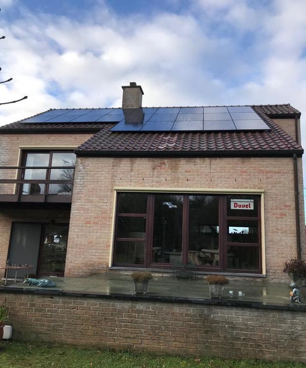 Realisatie 23 zonnepanelen REC 285 Full Black met SMA omvormer STP4.0 te Heusden-Zolder