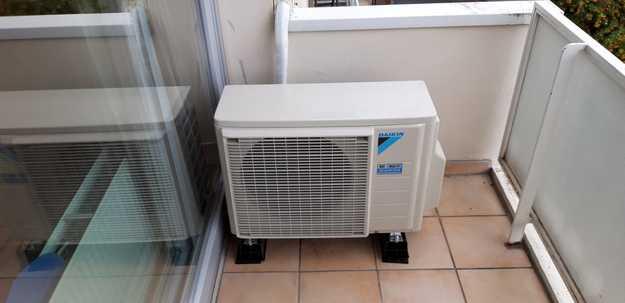 Realisatie Daikin Perfera aircowarmtepomp luchtlucht bestaande uit 2 binnenunits en 1 buitenunit te Wilrijk