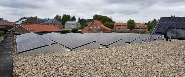 Realisatie 18 zonnepanelen REC 320 N-Peak met SMA omvormer SB3.6 te Houthalen