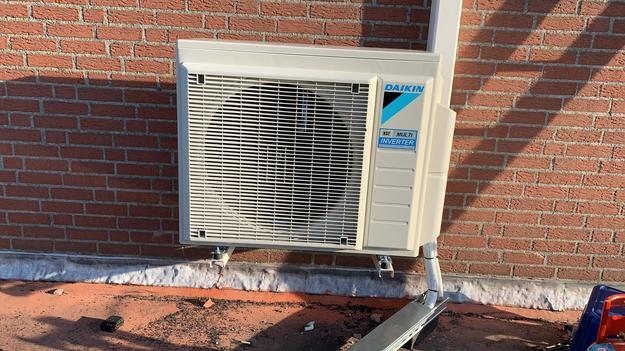 Totaalproject Daikin aircowarmtepomp en 16 zonnepanelen REC 320 Wp met SMA Omvormer SB3.6 te Lommel