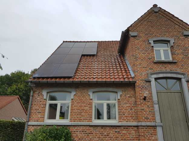 Realisatie 22 zonnepanelen REC 315 Wp Full Black met SMA omvormer SB50 te Stevoort