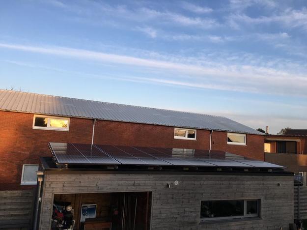 Realisatie 20 zonnepanelen REC 325 Wp met SMA omvormer SB4.0 te Lommel