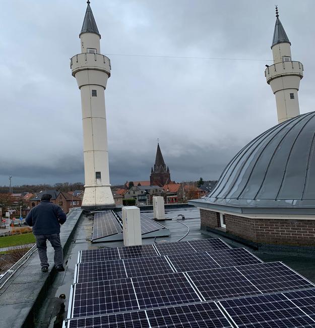 Realisatie 101 zonnepanelen REC 325 met 2 SMA STP10.0 te Beringen