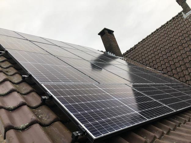 Realisatie 18x REC 325 zonnepanelen met omvormer SMA SB3.6 te Lanaken