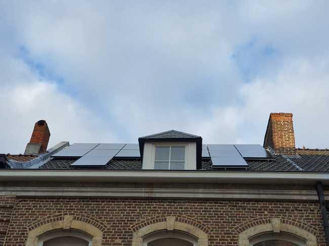 Realisatie 16x zonnepanelen Peimar 310 Wp Full Black met Solar Ege omvormer SE3000H te Diest