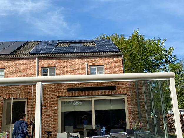 Totaalproject Daikin Perfera + Stylish warmtepomp met 16 zonnepanelen REC 330 Wp met SMA Omvormer SB3.6 te Beringen