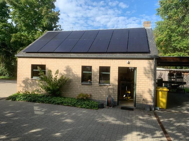 Realisatie 14x REC zonnepanelen 360 Full Black met SMA omvormer SB3.0 te Mol