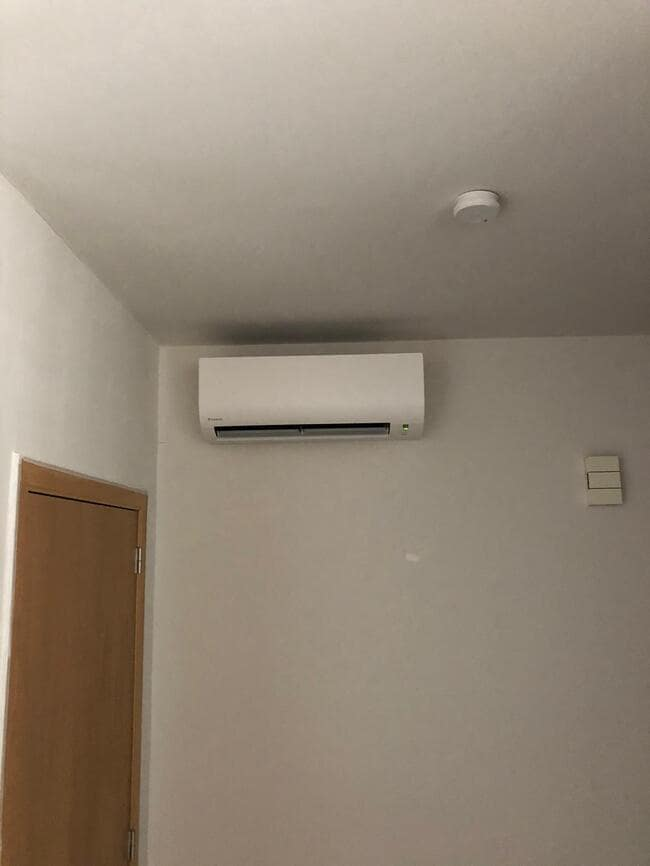 Realisatie 11x Daikin single split Comfora FTXP35MRXM35M  + 2x FTXP50MRXM  aircowarmtepomp in appartementscomplex te Balen