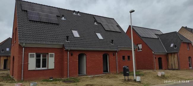 Realisatie 4x14 + 2x9 Zonnepanelen Longi 370 Wp SEMI Black met Solar Edge omvormer te Laakdal