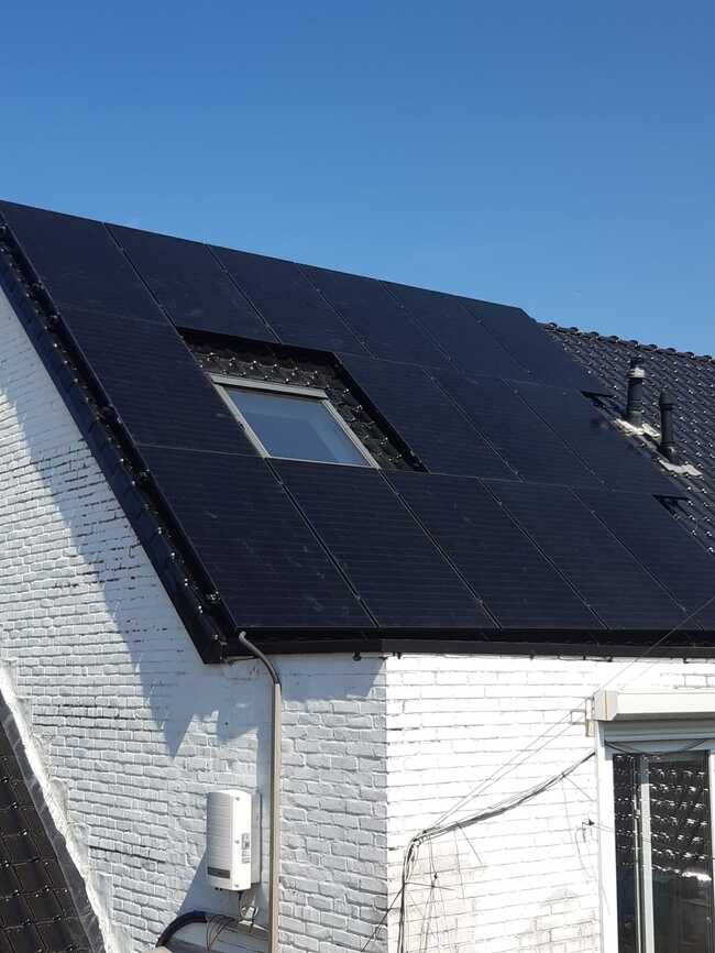 Realisatie 51x QCELLS zonnepanelen 375 FULL BLACK met Solar Edge omvormer SE10000H te Kinrooi